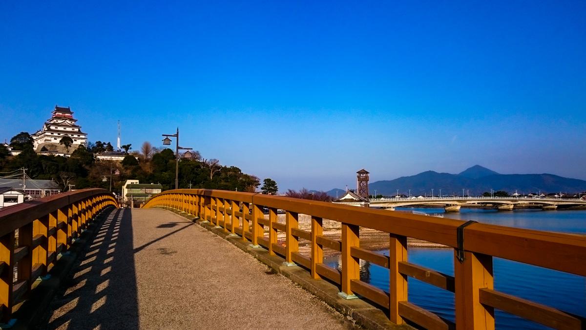 城内橋から望む唐津城
